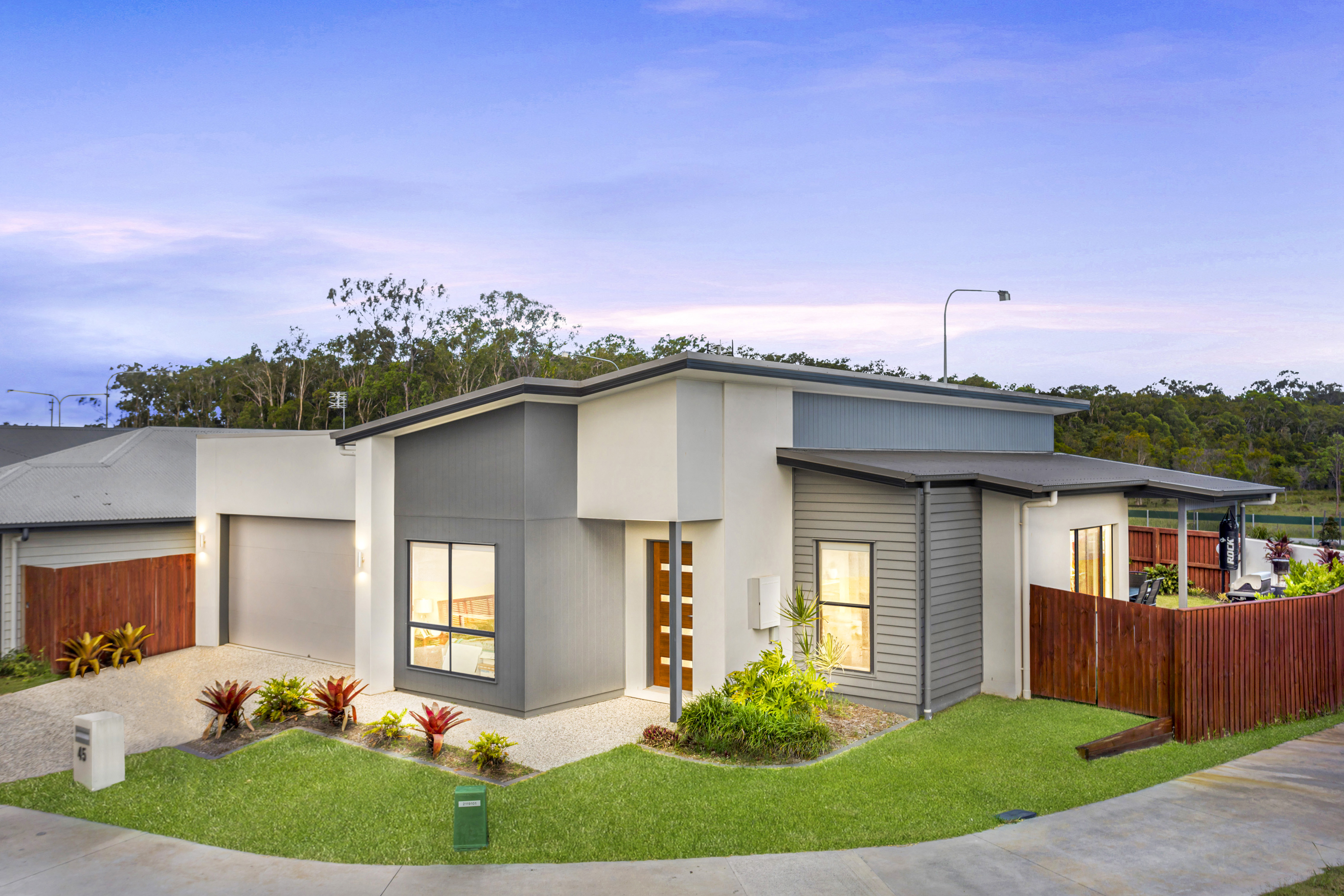 25 Flame Tree Avenue, Sippy Downs