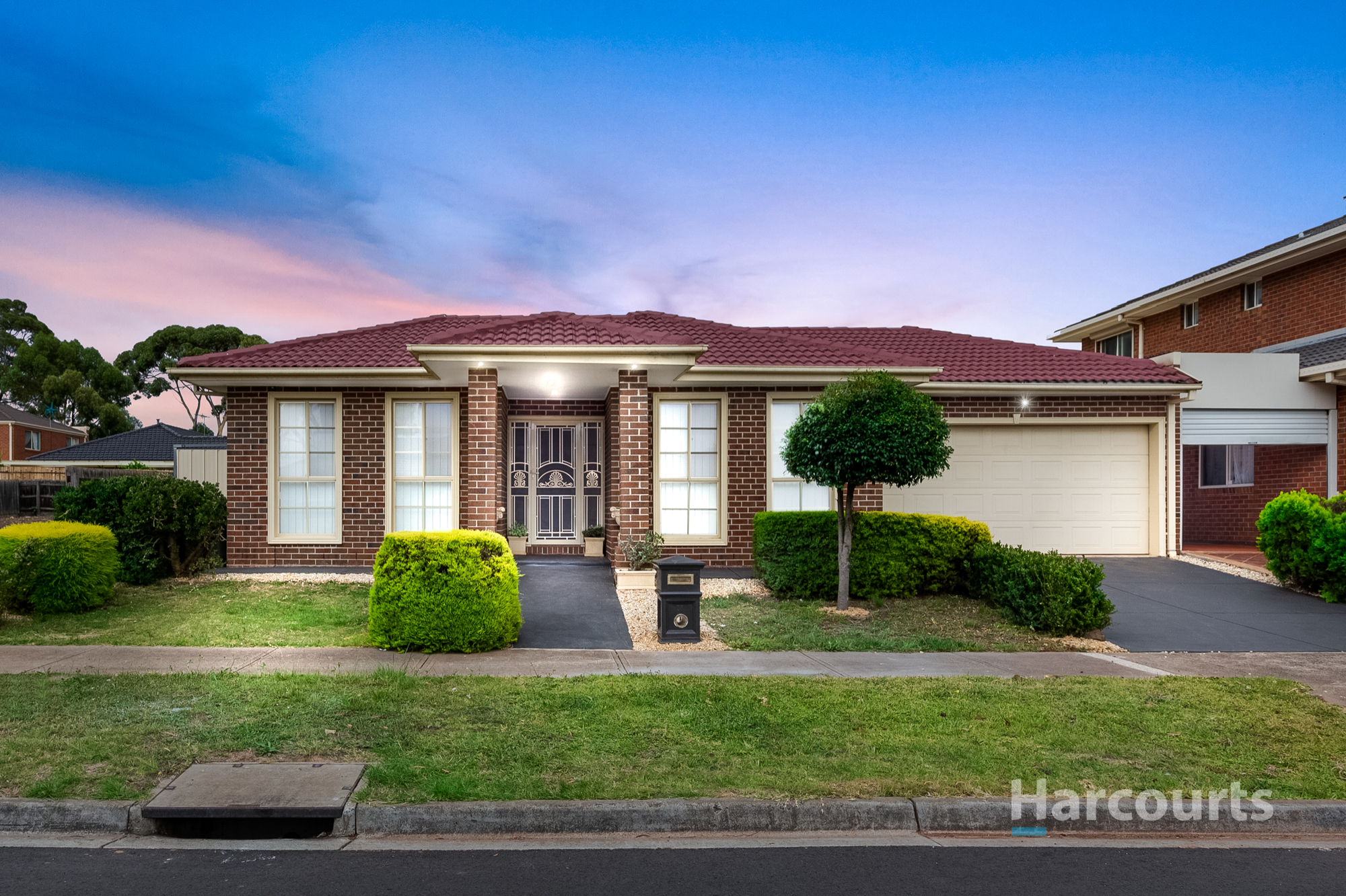 37 Drystone Crescent, Cairnlea