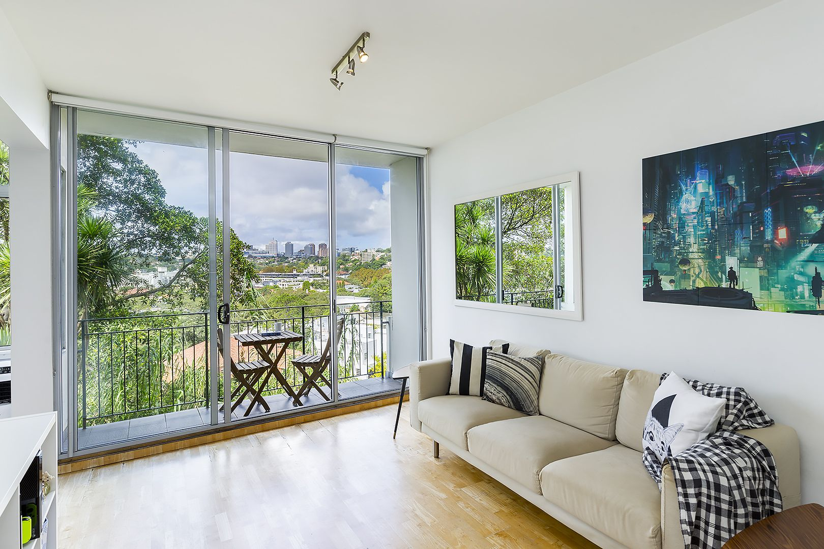 2/19 Eastbourne Road, Darling Point